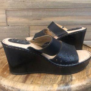 Born Black Double Strap Wedge Heel Size 9